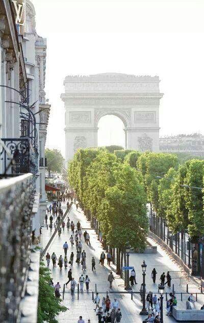 Champs e'Lysees