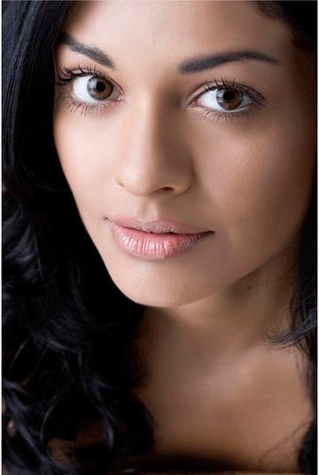 #makeup #natural Indian(?)-American actress Pooja Kumar - often you see the exotic makeup that does suit South Asian women beautifully - but this is also really beautiful and soft