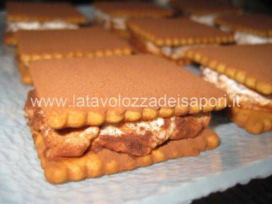 Dolce Mattone Leggero con Ricotta   http://www.latavolozzadeisapori.it/ricette/dolce-mattone-leggero-con-ricotta