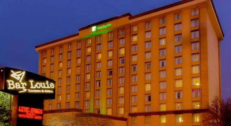 Holiday Inn O'Hare Area Rosemont Offering a free transfer service to O'Hare International Airport, this Chicago hotel features on-site dining and guest rooms with free Wi-Fi. The Blue Line of the subway is 4 minutes' walk away.