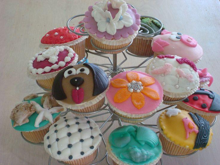 voorbeelden cupcakes versieren cupcake inspiratie pinterest cupcake. Black Bedroom Furniture Sets. Home Design Ideas