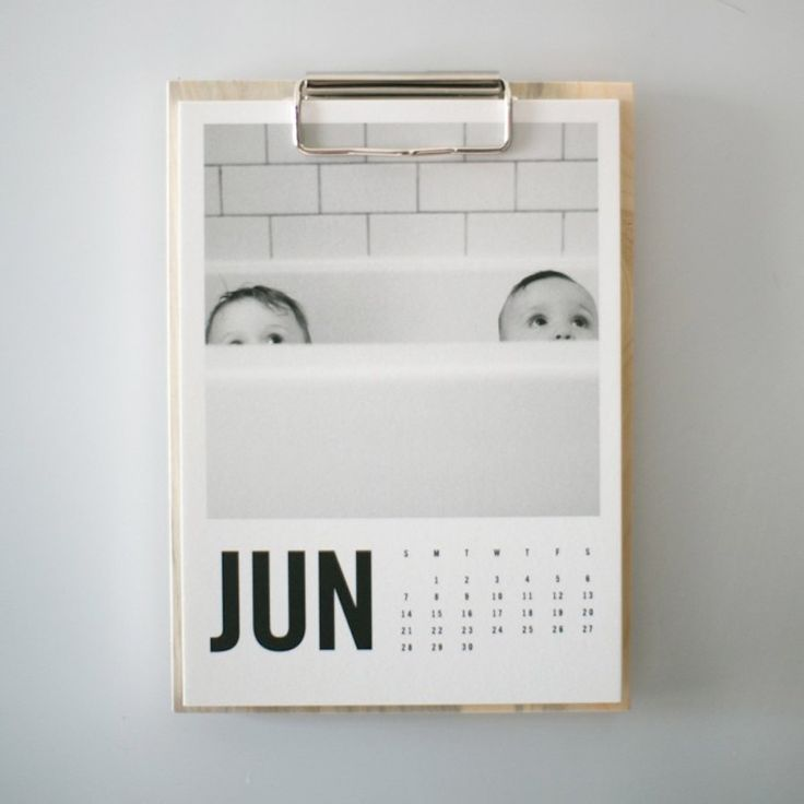 Artifact Uprisings Custom Calendar: http://www.stylemepretty.com/living/2015/06/17/style-me-pretty-editors-fathers-day-gifts/