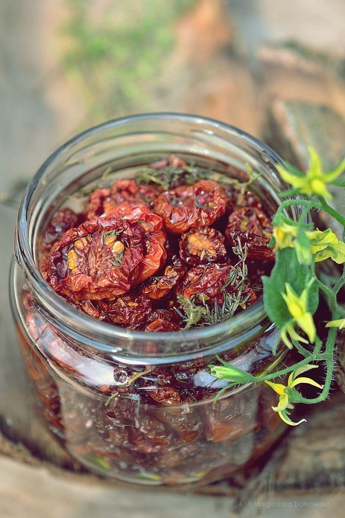 Smaki Alzacji : Pieczone pomidorki koktajlowe z czosnkiem, tymiankiem i malinowym octem balsamicznym