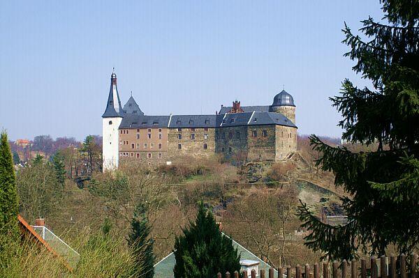 Burg Mylau ist das Wahrzeichen der gleichnamigen Stadt
