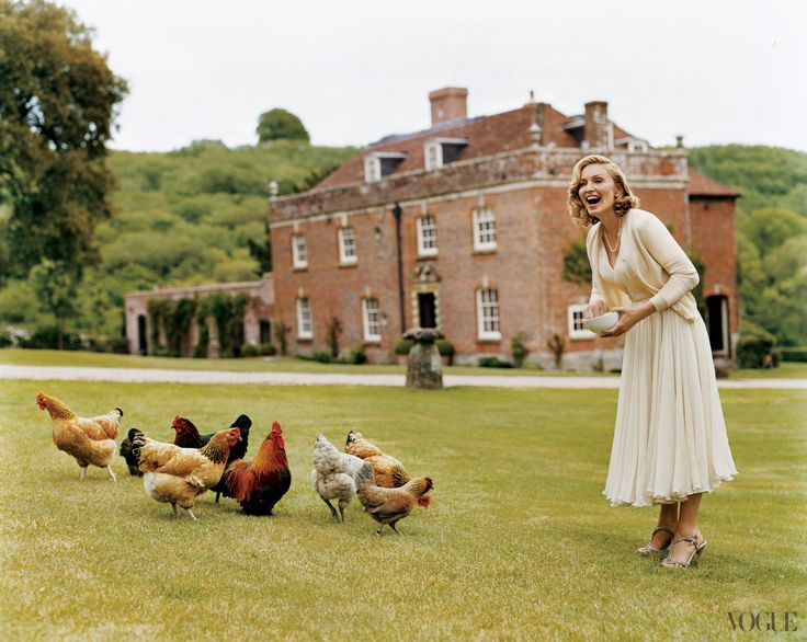 Visit english manor madonna feeding chickens on her english estate j 39 adore pinterest - Countryside dream gardens ...