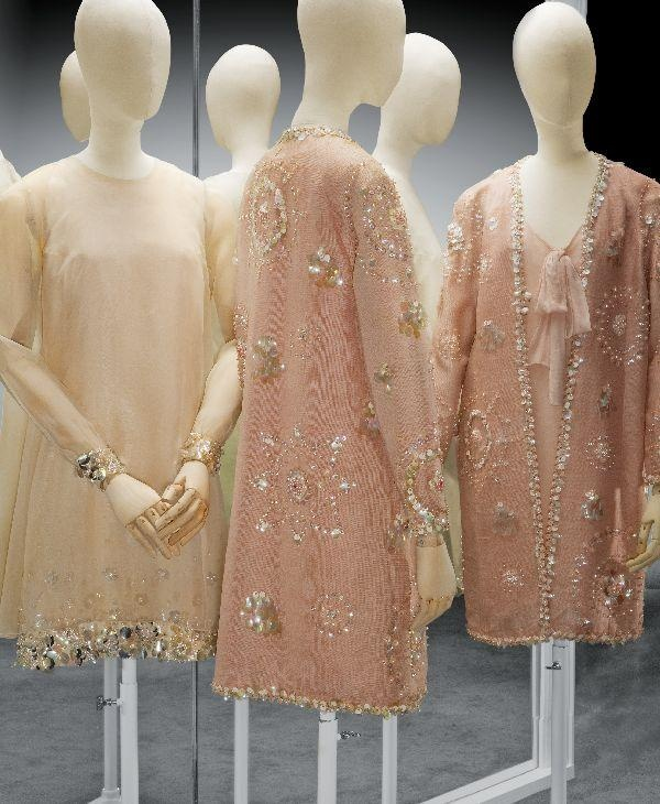 Mini-Dress, Dick Holthaus, 1965-1970, silk and organza with lovers, beads and imitation pearls, Gemeentemuseum Den Haag