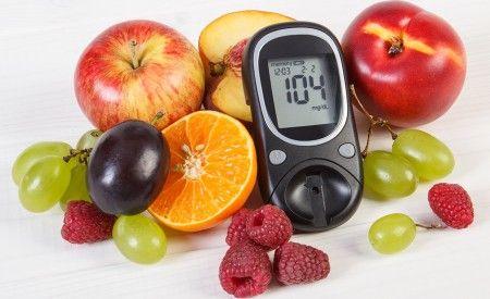Diabetes mellitus Typ 2: Übergewicht, Bewegungsmangel und die Vorliebe für eine kohlenhydratreiche Ernährung. Umgekehrt bedeutet das: Normalgewicht, körperliche Aktivitäten und eine gesunde Ernährung heilen Diabetes Typ 2. Diabetes mellitus Typ 1 hingegen gleicht eher einem Schicksalsschlag.
