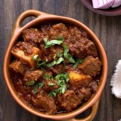 Indian flavoured mutton & potato curry
