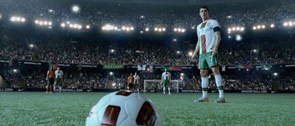 """Aqui está a nova campanha global da Nike, com a sua nova assinatura """"Write the Future"""". Um excelente trabalho da agência Wieden & Kennedy, ..."""