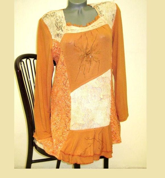 Tunika+Vintage+Tunika+je+ušita+z+bavlněných+úpletů.+Je+doplněna+jemnou+kresbou.+Skladem+velikost+44,+ostatní+ušijeme+na+přání.