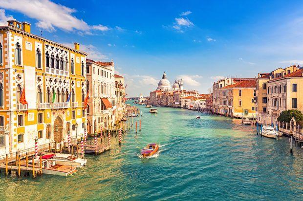 Routard.com : toutes les informations pour préparer votre voyage Venise. Carte Venise, formalité, météo, activités, itinéraire, photos Venise, hôtel Venise, séjour, actualité, tourisme, vidéos Venise