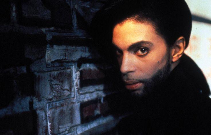 """Prince ist tot. Der Schöpfer so grandioser Popsongs wie """"Purple Rain"""" und """"When Doves Cry"""" starb im Alter von 57 Jahren auf seinem Anwesen Paisley Park bei Minneapolis in Minnesota."""