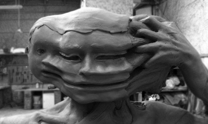 Umetnik dana: Enrico Ferrarini; Umetnička oblast: Skulptura; Zemlja: Italija; Rođen: 1987.