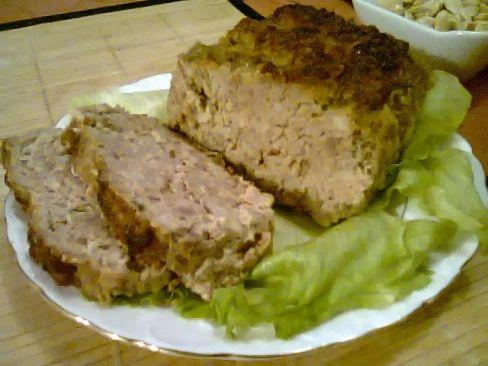 Domowa pieczeń z mięsa mielonego