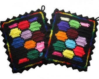 Puzzle Pot Holders. Colorful jigsaw puzzle piece por hooknsaw