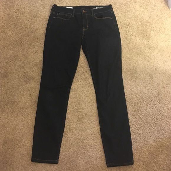 Gap Legging Jeans Excellent condition GAP LEGGING JEANS only worn a handful of times! GAP Pants Leggings