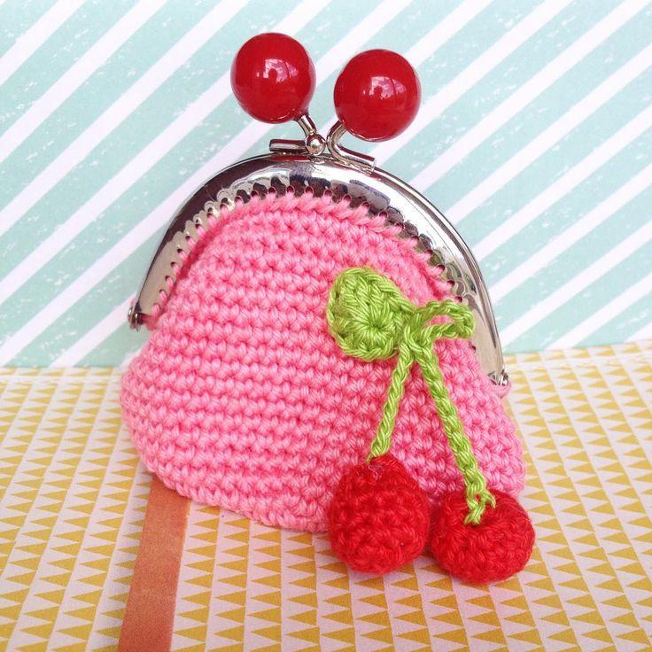 """Portemonnee... #crochet #haken #hækle #hakle #hakeniship #portemonnaie #kers #roze"""