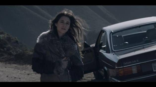 "A US-spec Mercedes-Benz W126 (560 SEC) coupe as seen on the music video of the ""Time of the Assassins"" by Charlotte Gainsbourg (2009). I hope Daisy Lowe may not going to like this.   #autot #MarilynManson #Noita #Häxa #Noidat #velho #Perkele #preBrexit #Murica #ChildrenofBodom #Bathory #Otsatukka #Härkä #Brighton #Brexit #YLE #SVT #MTV3 #metallimusiikki #svenskmetal #fransk #ranskalainen #AlexaChung #Tukholma #DaisyLowe #urheiluauto #kauneus #muoti #Michelin #LeMans  #FormulaOne #WRC #WTCC…"