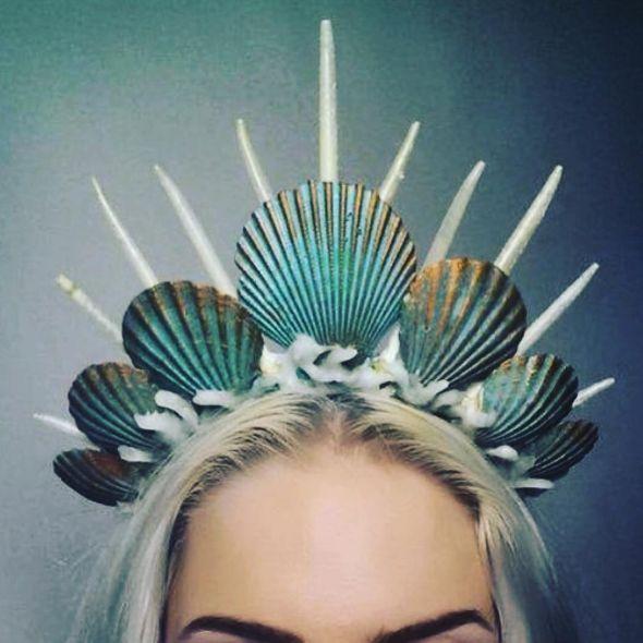 Channel your inner ~Ariel~. Mermaid crowns