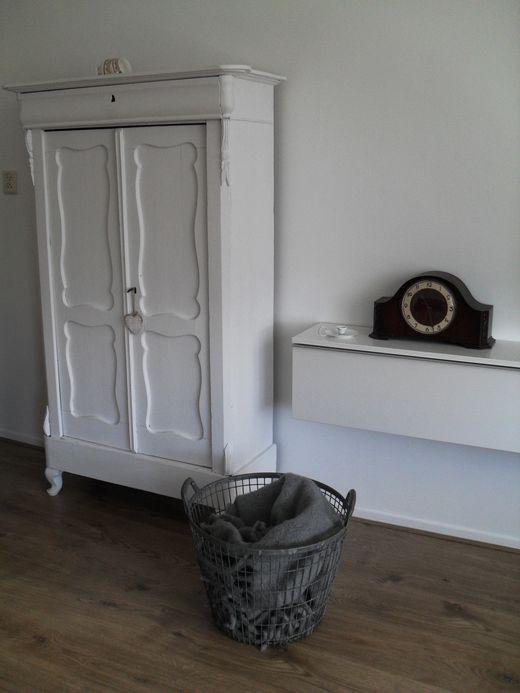 VT wonen binnenkijken, oud kastje geverfd