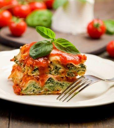 ΠΑΡΕΜΒΑΣΕΙΣ ΣΤΗΝ ΕΠΙΚΑΙΡΟΤΗΤΑ: Λαζάνια με σπανάκι, ντομάτα και πράσο