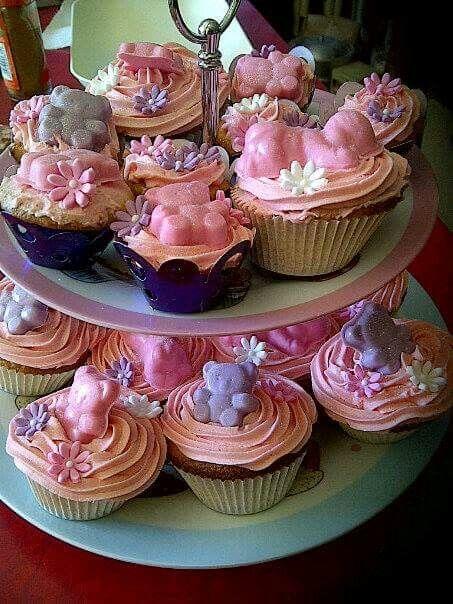 Cupcakes for a stork tea