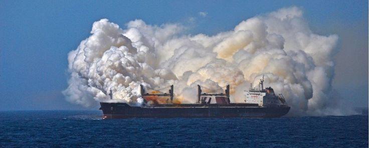 Incredible Incident Photo Shows British Bulk Carrier During Fertilizer Fire – gCaptain