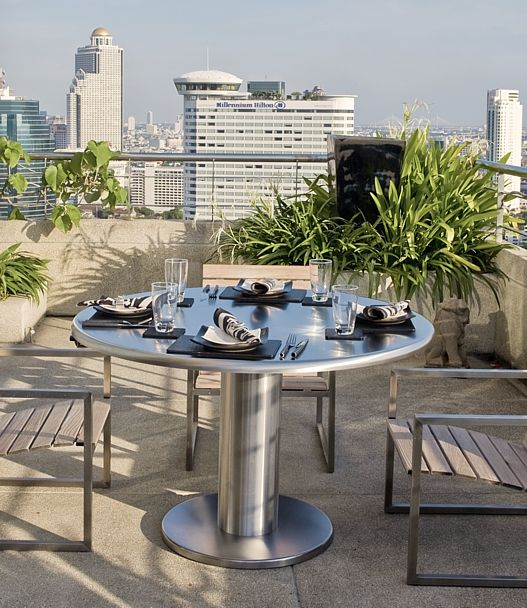 TEPPANYAKI GRILL FOR THE HOME   ELECTRIC BUILT IN TEPAN YAKI GRILL TABLE by Cook-N-Dine. Made in Germany.