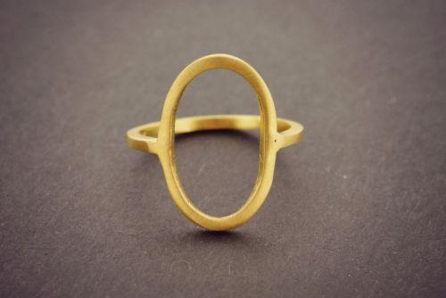 Δαχτυλίδι με γεωμετρικό σχέδιο