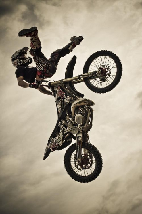 """Did this whole write up """"backwards"""" but whatever lol -- Being so, I'll admit I'm obviously biased towards 2 stroke MX bikes, but considering they're lighter, more powerful, more fun, sound better and cost far less to maintain than a 4 stroke, aren't I justified?"""
