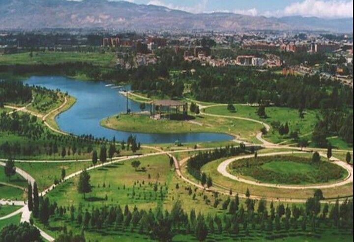 Simon Bolivar Park. Bogotá Colombis