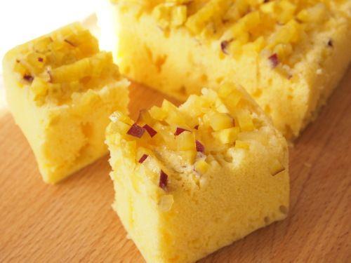 シリコンスチーマーレシピ リンゴとさつまいもの蒸しケーキ