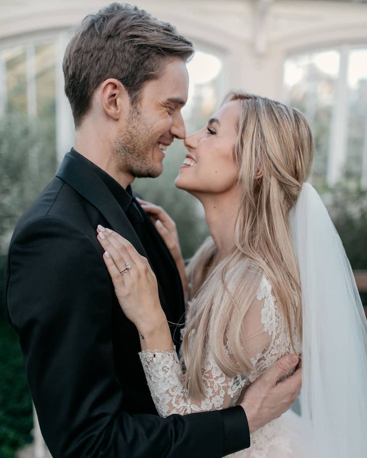 #YouTube Star #pewdiepie Marries His Longtime Girlfriend and a #FashionInfluencer #marziepie at #KewGardens