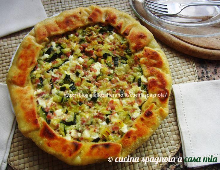 Torta salata zucchine porri prosciutto: un rustico golosissimo e facile da fare, ideale per quelle mamme che vogliono far mangiare le verdure ai bambini.