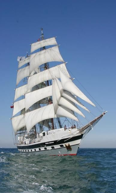 Living the dream aboard Stavros S Niarchos: http://livesharetravel.com/11209/living-the-dream-high-seas/