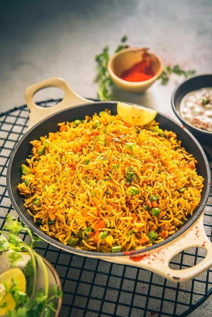 Tawa Pulao Recipe, Mumbai Style Tawa Pulao, Tava Pulao, tawa pulao ...