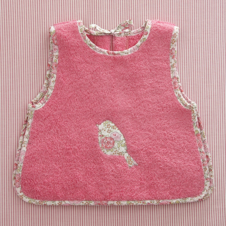 Liberty trim bib, girl