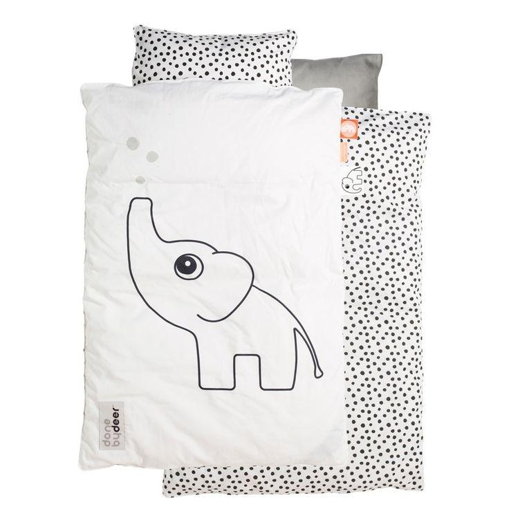 Pussilakanasetti pinnasänkyyn, Vauvan lakanat, Done by Deer, Elphee, White. Tilaa ihanat musta-valkoiset lakanat vauvalle pinnasänkyyn helposti verkkokaupastamme www.vauvapesa.fi!