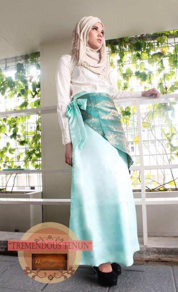 mint green satin tenun