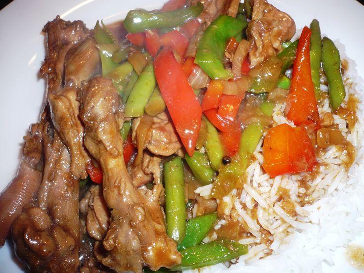 Gewokte eendendijvlees met sperziebonen en paprika in Chan's sauzen & kruiden en specerijen ... smakelijke groet, Tammy Wong - Koken Met Specerijen