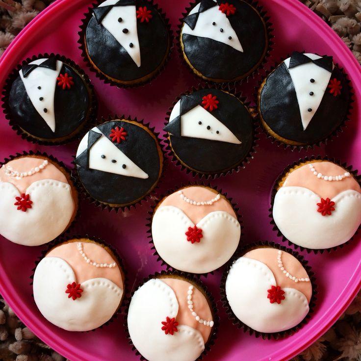 Wedding cupcakes! Mini brides and grooms!