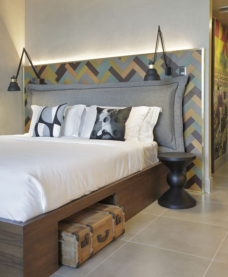 Inject Warmth Into Your Home With Reclaimed Wood Wall: 1000+ Ideas About Herringbone Headboard On Pinterest