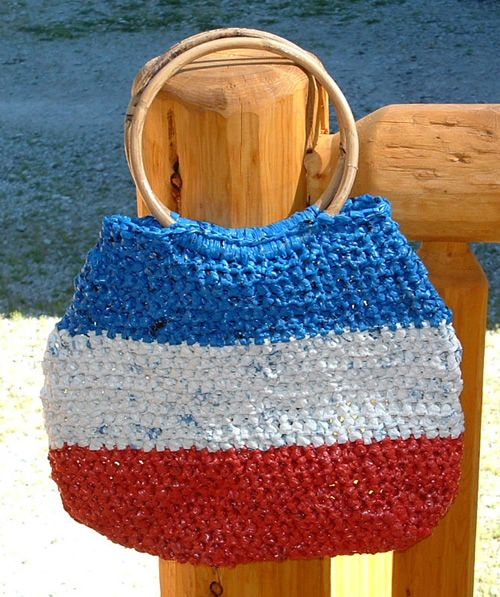 Crochet Plarn Tote Bag Pattern : 1000+ images about Crochet with plastic bags on Pinterest ...