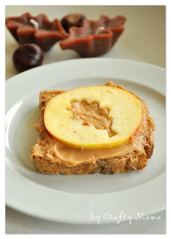 Полдник: бутерброд с арахисовым маслом