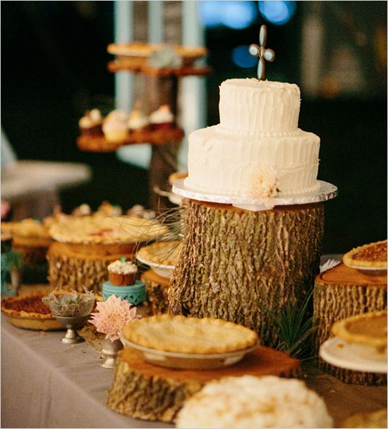 Cake Table - Brown tablecloth + wood