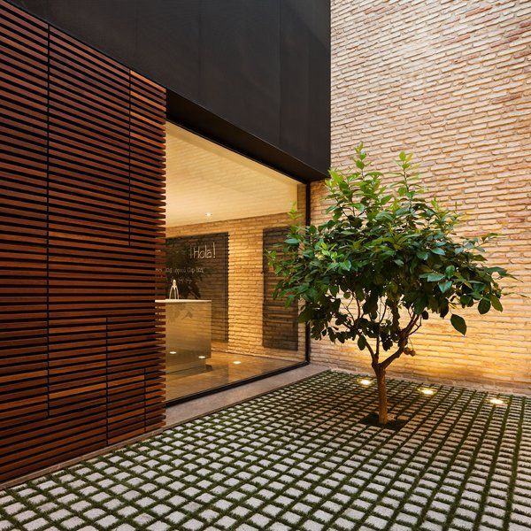 Las 25 mejores ideas sobre dise o exterior de casa en for Decoracion patios interiores modernos