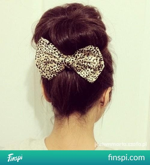 fryzura z kokardką #moda #włosy #panterka #kokarda #kok #fryzura
