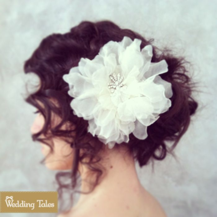 Amazing bridal accessory for a floral wedding - Blow Out Sales Event by @Elite Events Athens - Wedding Planning  Find more here http://www.weddingtales.gr/index.php?id=1372