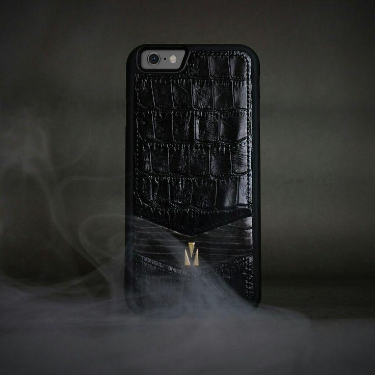 Case for iphone 6/6s. Croco leather and natural wood. Handcraft/Handstitched. Чехол для phone 6/6s - кожа крокодила, ручная работа, вставка из натурального дерева