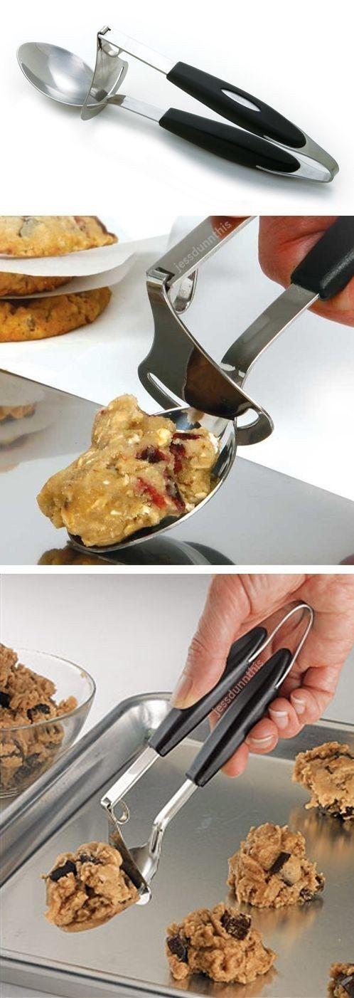 This pick-and-delivery cookie dough ($ 10). | 21 Herramientas súper inteligentes que mantendrán tus manos libres en la cocina